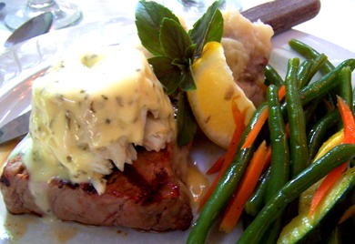 Filet Mignon with Lump Crab and Bearnaise Sauce