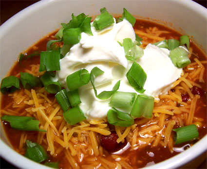 Mmm... hot chili with cool sour cream.